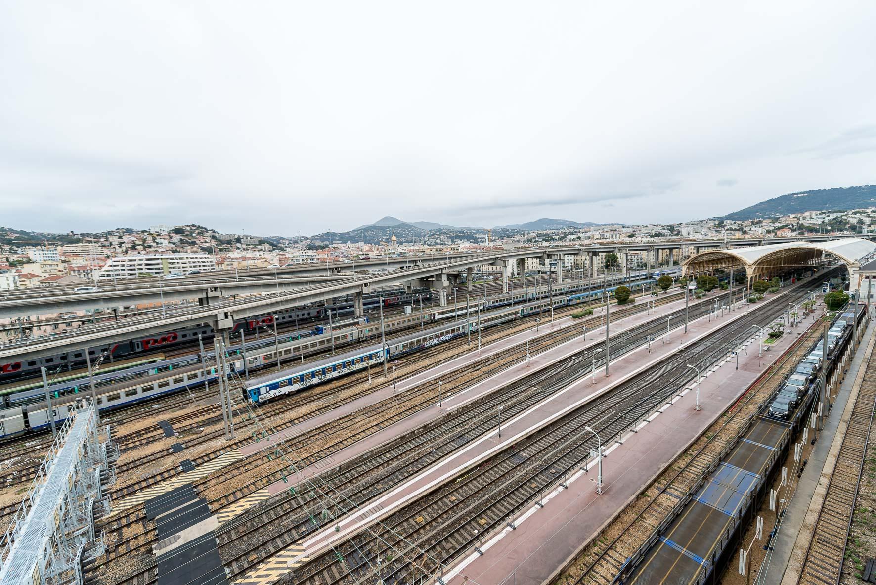 Le Blog de Cécile Na - Shooting Gare de Nice - 28 Février 2016 - Nice